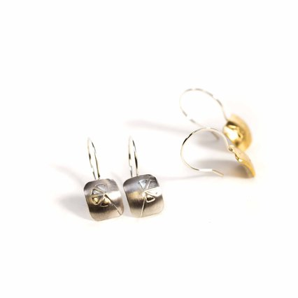 Two Carrots Studio_Stick Flower Earring_8861